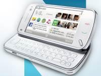 """Nokia N97"" su išskleista klaviatūra"