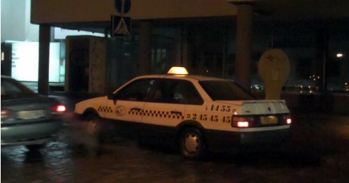 Naktinis taksi laukia naujų klientų. K. Vyšniausko nuotr.