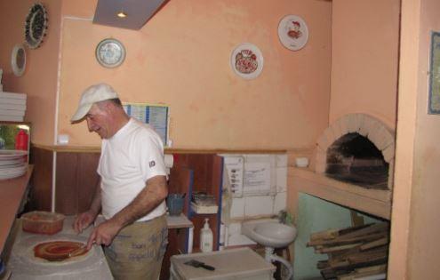 Piero iškepti picą – penkių minučių darbas. Autorės nuotr.