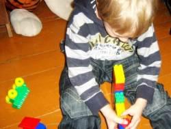 Realybę atitinkantys žaislai skatina vaikų mąstymą. V. Sinicaitės nuotr.