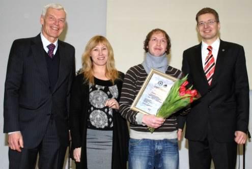 Iš kairės stovi: Justas Vincas Paleckis, Erika Straigytė, Dainius Kinderis ir Dainius Radzevičius. Vido Dulkės nuotrauka.