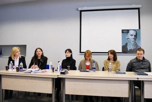 """"""" Mados konferencijos dalyviai. Iš kairės: J. Garbaravičienė, J. Talaikytė, A. Kuzmickaitė, E. Žiemytė, R. Maldutienė, M. Morkūnas). Nuotrauka Jorės Janavičiūtės."""