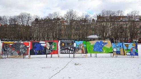 """Projekto """"Graffiti ne ant sienų"""" metu sukurti paveikslai. Autorės nuotr."""