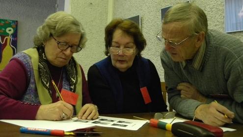 Viktoriną laimėjo raudonoji senjorų komanda. Autorės nuotr.