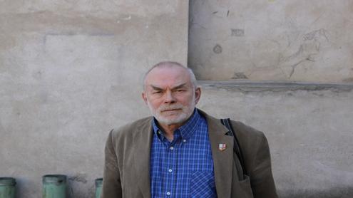 Prof. Algirdas Dovydėnas, gyvenantis Vilniuje jau keletą dešimtmečių, pastebi, kad senamiestis kasmet vis gražėja. Autorės nuotr.