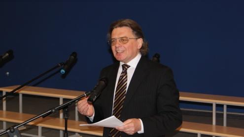 Prof. dr. Skirmantas Valentas įsitikinęs, jog XIX a. tik poetinė kalba galėjo skleisti patriotines idėjas. Autoriaus nuotr.