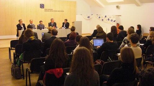Į diskusiją įsitraukė Europos Sąjungos ateitimi besidomintis jaunimas. Autorės nuotr.