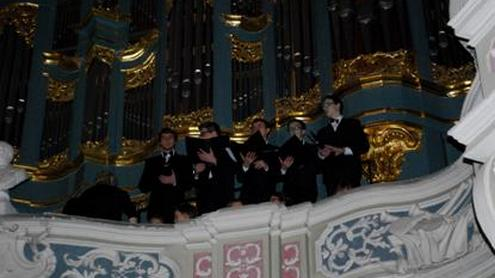 Advento vakarui skirtas giesmes giedojo LMTA pedagogai bei LRT jaunimo choras. Autorės nuotr.