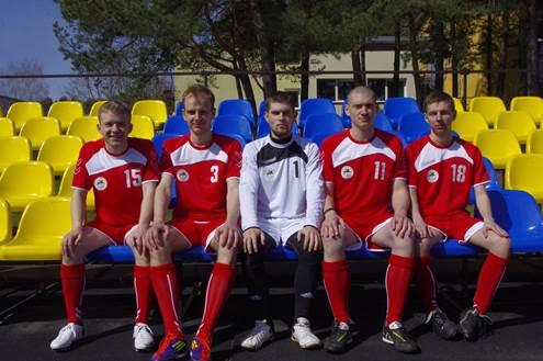 Žurnalistikos instituto rinktinė futbolo turnyre Saulėtekyje.  Nuotr. aut. Paulina Baužytė