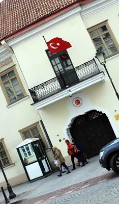 Pro pačiame sostinės centre esančią Turkijos ambasadą kasdien praeina daugybė lietuvių (autoriaus nuotrauka)