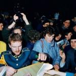 Sovietinių karinių bilietų atidavimas. Vilnius, 1990 m. vasario 16 d.