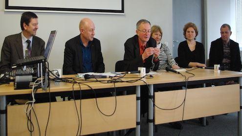 Diskusijos dalyviai (iš kairės) – V. Valiušaitis, R. Gudauskas, A. Antanaitis, V. Garunkštytė, K. Telyčėnaitė, Vytautas V. Landsbergis. Autorės nuotr.