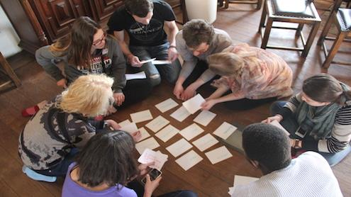 Dalyviai atliko įvairias užduotis, padedančias pažinti save ir aplinkinius. Akvilės Stunžėnaitės nuotr.