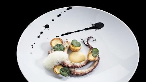 """Restorane galima užsisakyti aukštos kokybės jūros gėrybių. Nuotrauka iš restorano ,,Stebuklai"""" archyvo."""