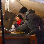 Protestuotojams maistą Maidano aikštėje dalino savanoriai. Dariaus Abromaičio nuotr.