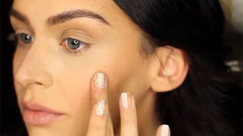 Atliktas tyrimas parodė, jog visiškai ekologiškų gamyklinių grožio produktų kol kas nėra. Carli Bybel nuotr. (thebeautybybel.com)