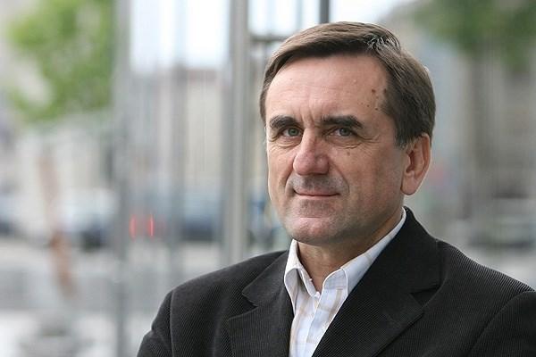 Vytauto Didžiojo universiteto Socialinės ir politinės teorijos katedros prof. dr. Lauras Bielinis įsitikinęs, jog nesisteminės partijos ilgai negyvuos.