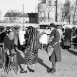 1934 m., Vilniaus, Lukiškių aikštė, Šv. Kazimiero turgus. Nuotrauka olandų fotografo Willem van de Poll. Šaltinis: Vilniaus miesto studija.