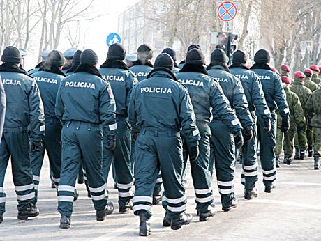 Policijos pareigūnų gretos pastaraisiais metais didėja, tačiau dar ne tiek, kiek norėtųsi.