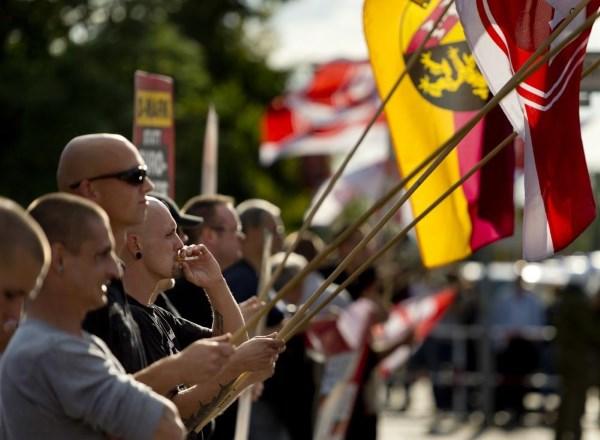 Ultradešinės partijos rengia protestus prieš pabėgėlius. SCANPIX nuotrauka.