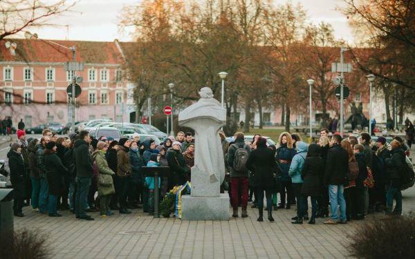 """""""Gatvės gyvos"""" rengiami pasivaikščiojimai pritraukia ne tik vilniečius, bet ir kitų Lietuvos miestų gyventojus. A. Žuko nuotr."""