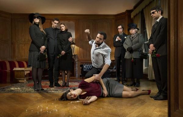 Fotografas Yannas Le Pepe pabrėžia smurto šeimoje dangstymą, prie kurio prisideda artimieji, žiniasklaida ir tarnybos