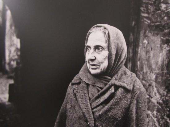 """A. Jacovskytė """"Žydė M. Antokolskio (dab. Stiklių) gatvėje"""" (fotografija; 1967 m. balandžio 15 d.).  Austėjos Mikuckytės nuotrauka."""