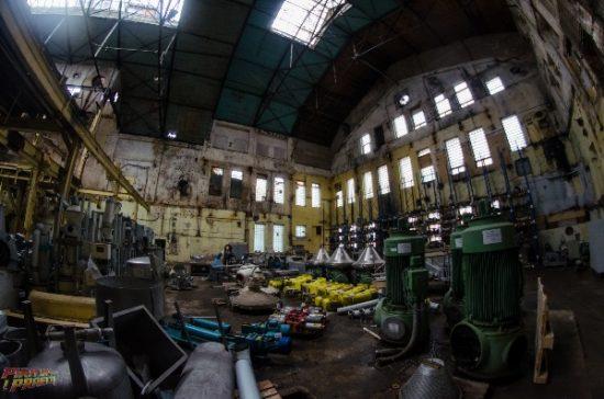 Sandėliu paverstas buvęs cukraus fabriko cechas. Tyrinėtojo Arno nuotr.