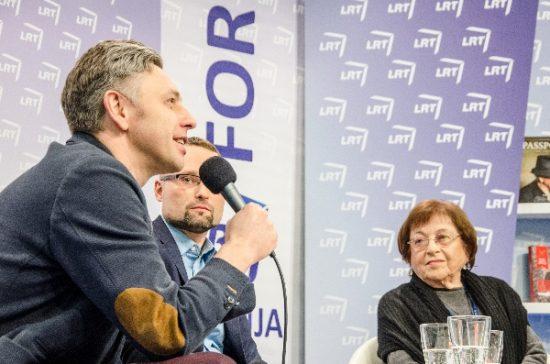 Diskusijos dalyviai aptarė svarbius lietuvių ir žydų santykių akcentus. A. Eikevičiūtės nuotr.