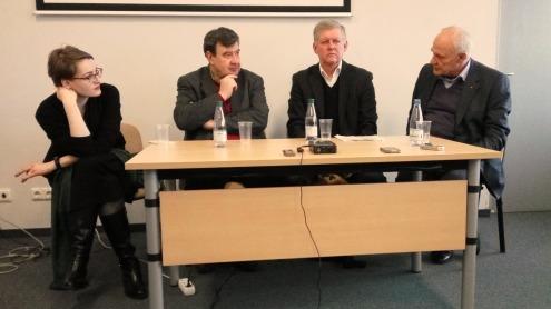 Diskusijos dalyviai. Iš kairės: dr. J. Čerškutė, doc. V. Ališauskas, V. Žukas, A. Gailius. Autorės nuotr.