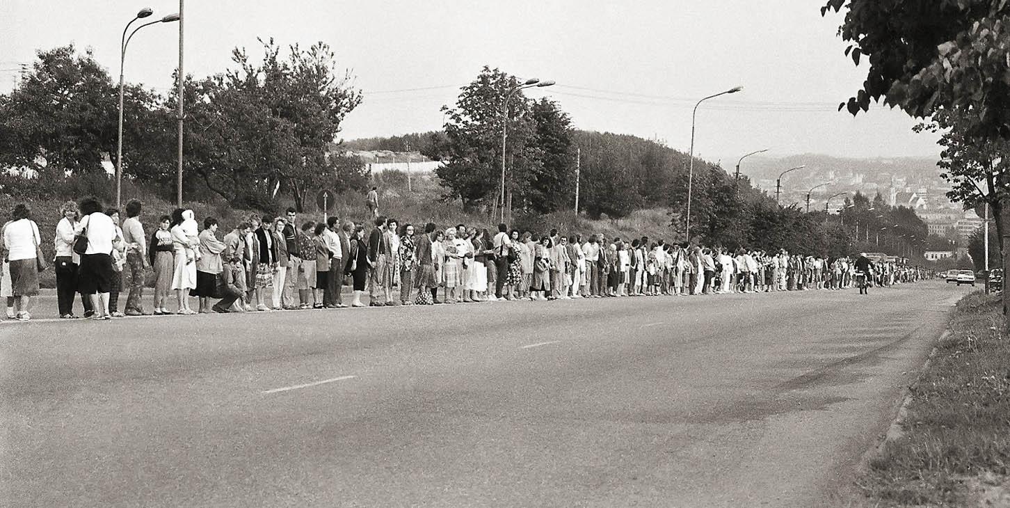 L. Skirpsto nuotrauka. 1989 m. Baltijos kelias.