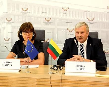 B. Ropė Europos Parlamente vienintelis iš Lietuvos atstovauja žaliesiems – kartu su vokiete R. Harms dirba žaliųjų frakcijoje, daugiausiai – antiatominiais klausimais. KK nuotr.