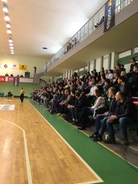 Lemiamos kovos sulaukia didžiausio klaipėdiečių susidomėjimo bei palaikymo. Klaipėdos mėgėjų krepšinio lygos nuotr.