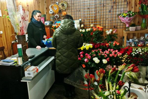 V. Česienė sako, kad, nors Radviliškis ir mažas miestas, nėra tokios dienos, jog nebūtų lankytojų. Daugiausia jų ateina savaitgaliais ir švenčių dienomis. Autorės nuotr.