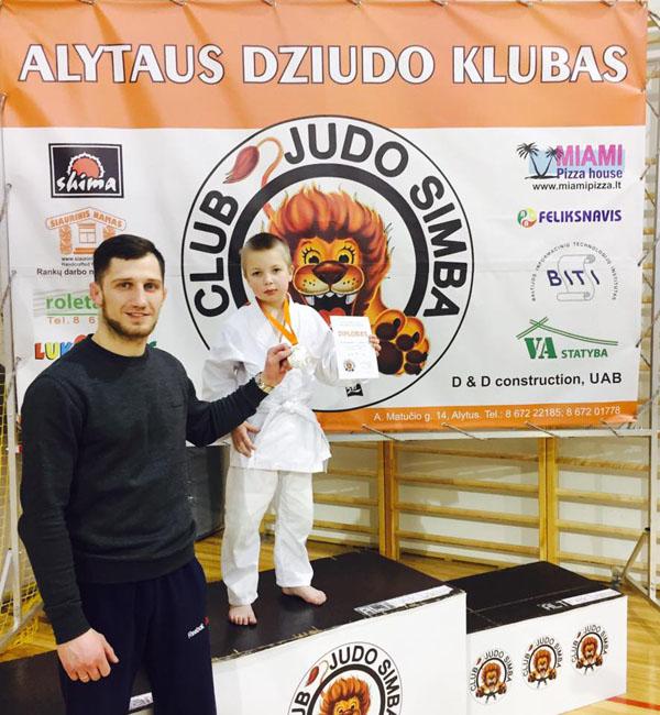 E. Cchovrebovas su auklėtiniu A. Lukaičiu, Alytuje užėmusiu 3 vietą. Asmeninio archyvo nuotr.