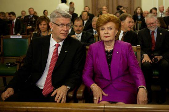 V. Zatleris (kairėje) savo prezidentavimo metu daugiau dėmesio skyrė vidaus politikai, o jo pirmtakė V. Vike–Freiberga buvo matoma tarptautinės politikos dalyvė. E. Dinka nuotr.