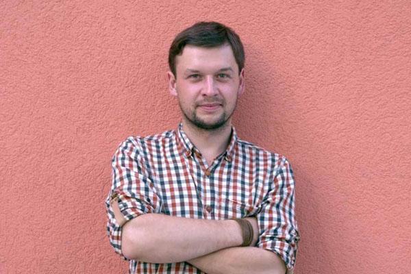 Povilas Šklėrius, renkantis muzikos ir vaizdo įrašus. Asmeninio archyvo nuotr.