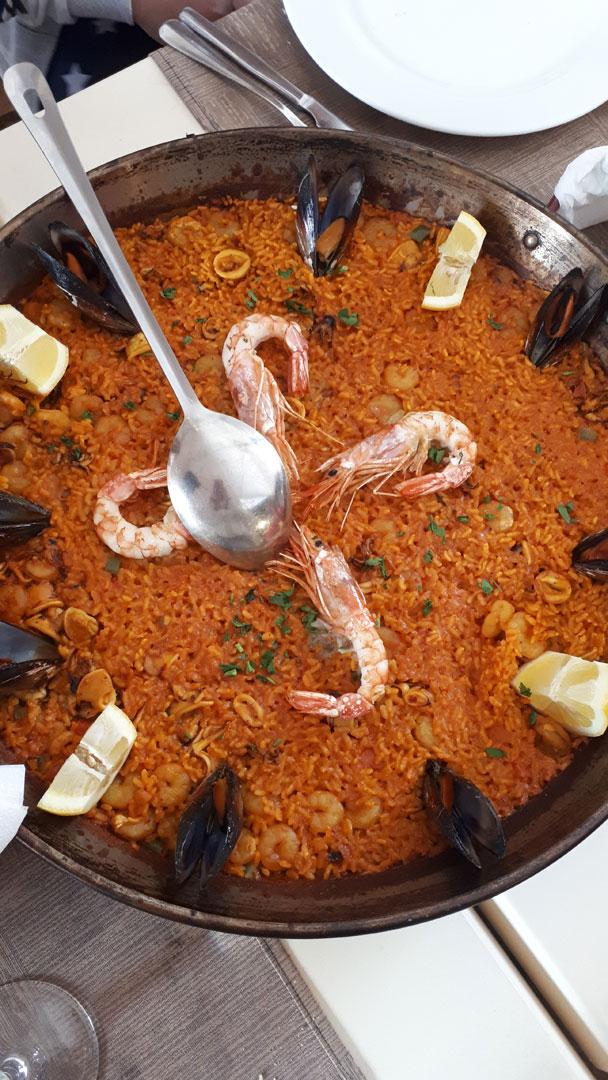 Ispanijos nacionalinis patiekalas paelja. Autorės nuotrauka.